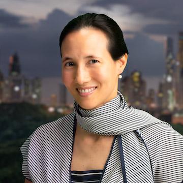 Dr Adrienne Heinrich