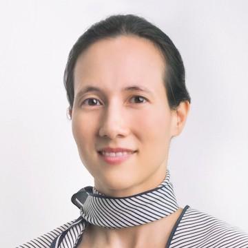 Dr. Adrienne Heinrich