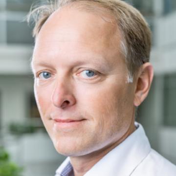 Dr Lars Carlsson
