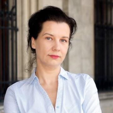 Dr. Anna-Vera Deinhammer